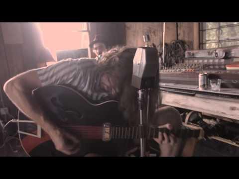 Deslondes + Twain - Run Wild