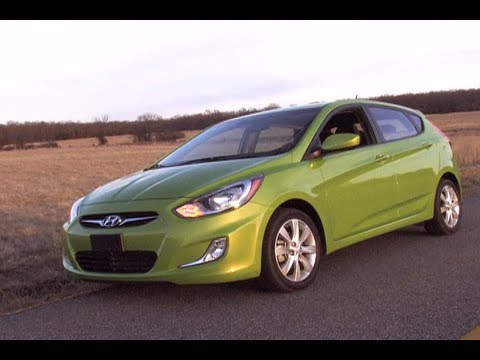 2012 Hyundai Accent Review MPGomatic Test Drive Start Up Engine Tour