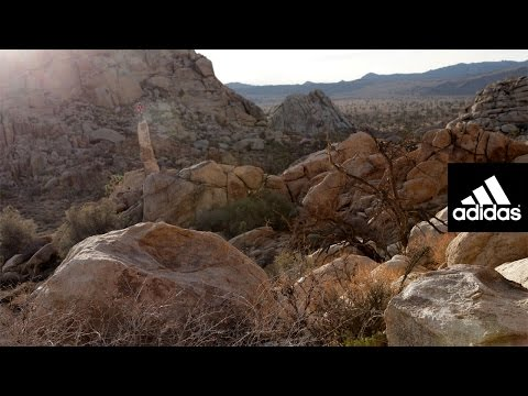 SO HIGH | Romain Desgranges , bouldering in Joshua Tree .: L