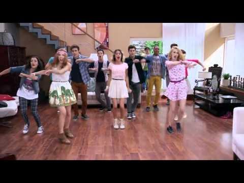 """Violetta 3 - Los chicos cantan """"En Gira"""" (Ep 62)"""