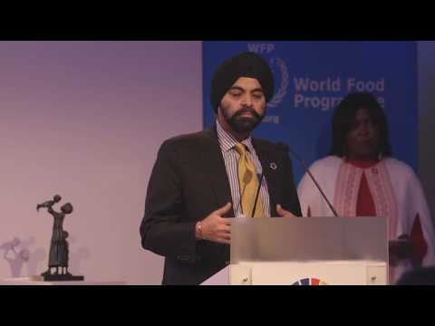 Mastercard CEO Accepts World Food Programme's 2017 Hunger Hero Award