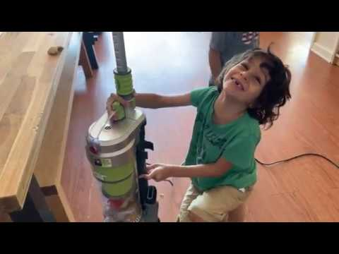 Hoover WindTunnel Air HEPA Bagless Upright Vacuum Review