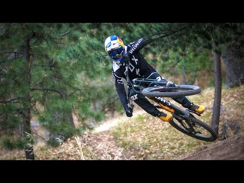 Time Waits For No One | Fast Life with Loïc Bruni S1E1