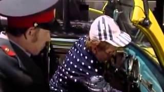 Копия видео Маски–шоу 21 серия — Маски в ГАИ(, 2015-05-26T15:53:46.000Z)