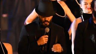 تامر حسني .. (اغنية الدنيا فيلم )من حفل إفتتاح مهرجان القاهره السينمائي  ال ٤٢
