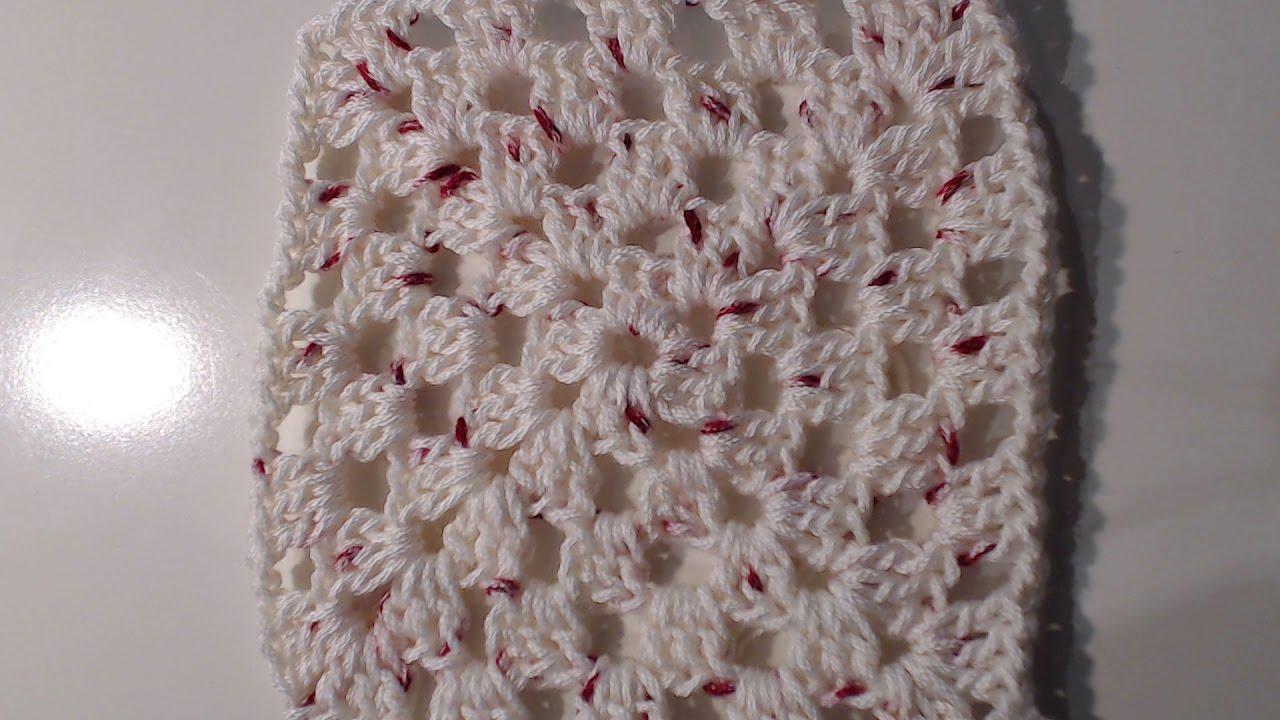 Uncinetto copriletto di cotone bianco a piastrelle quadrate