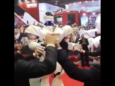 روبوت يرقص على اغنية تعال اشبعك حب اشبعك حنان اغنية عراقية