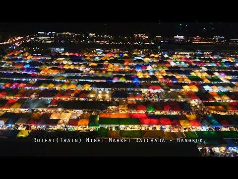 Colorful Market - ตลาดนัดรถไฟ - Rotfai(Train) Night Market Ratchada, Bangkok (4K)