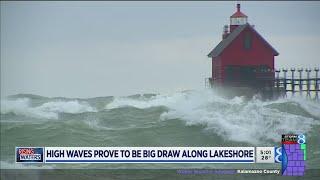 Spectator sport: Powerful waves on Lake Michigan