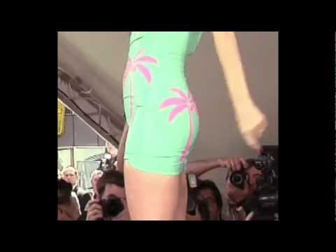 Hypnotized lady falls deeply in love and gets wild on stage! from YouTube · Duration:  4 minutes 16 seconds