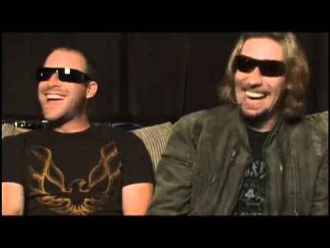 NickelBacK - BackStage & InterView On Tour 2007
