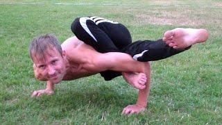 Йога для начинающих: аштавакрасана (поза возьми углов)