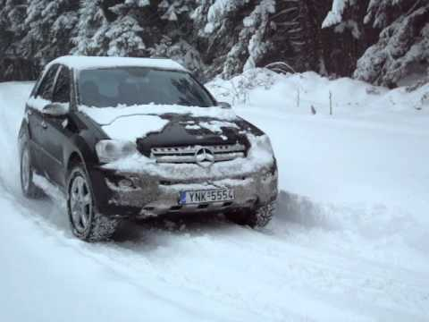 mercedes ml 320 cdi snow youtube. Black Bedroom Furniture Sets. Home Design Ideas