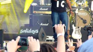 she wants to move by n e r d live solidays hd