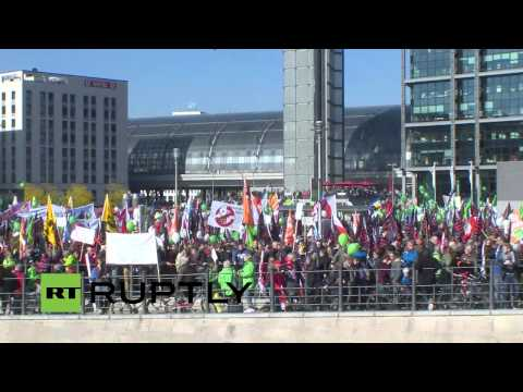 LIVE: Anti-TTIP and CETA protesters rail at huge trade deals in Berlin