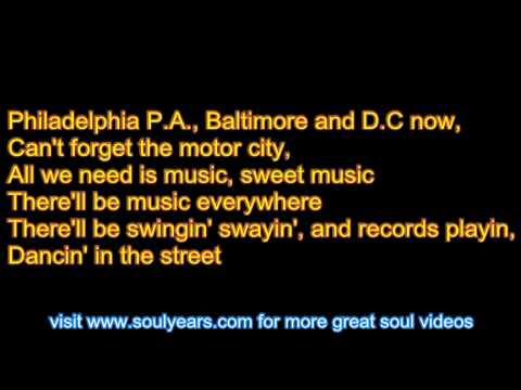 Martha Reeves & the Vandellas - Dancing in the Street (with lyrics)