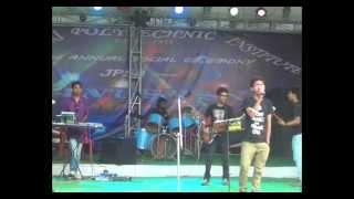 bangla band kalpataru live hum kiss gali by atif(sarfaraj)