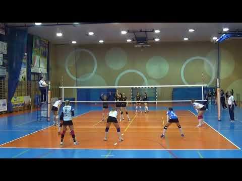 Paulina Ponikiewska LIBERO Polish League (A3) 2017-2018 nr 8 blue shirt