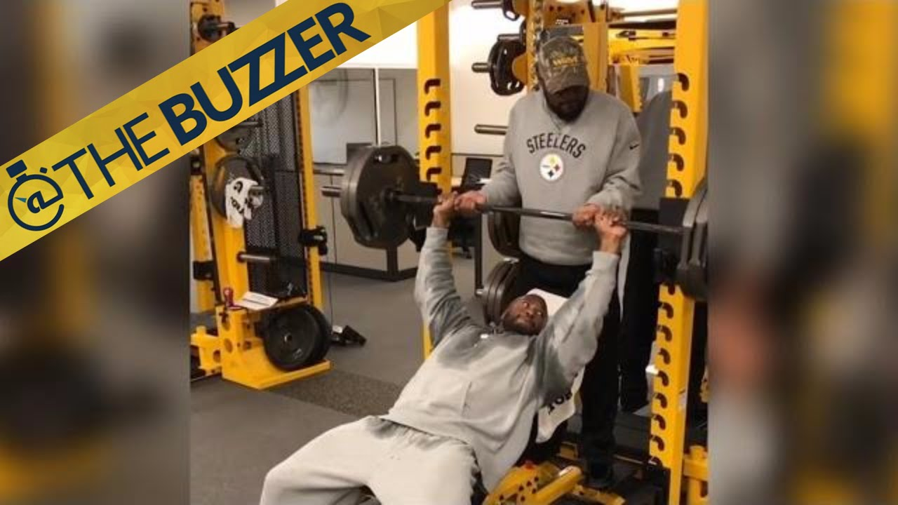 Mike Tomlin Spots For James Harrison During Workout Thebuzzer Fox Sports