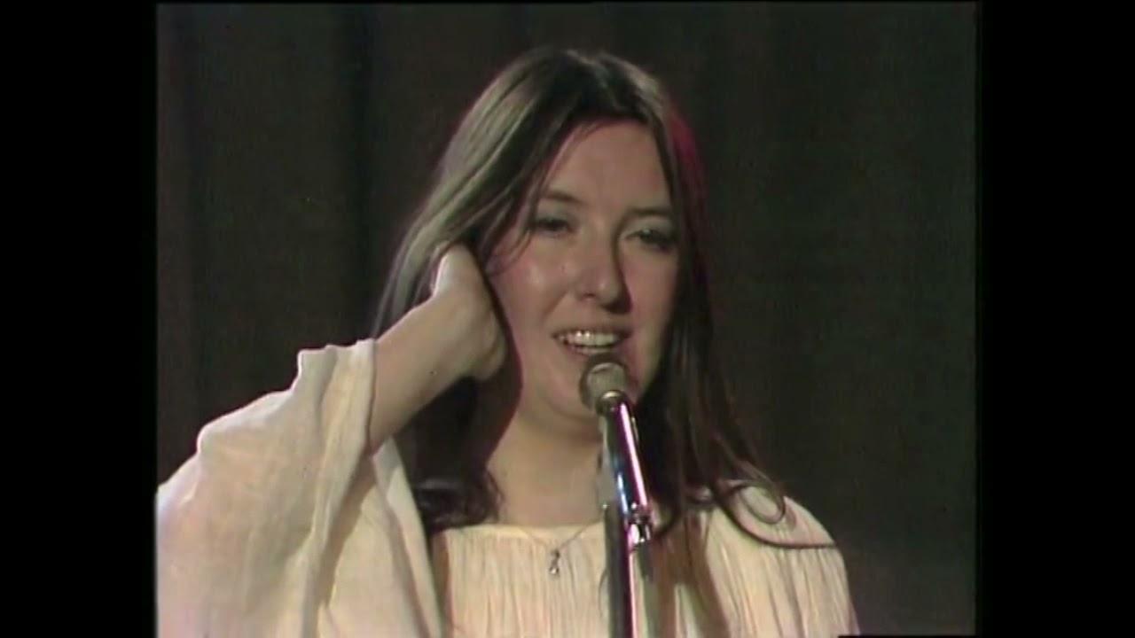 Download Steeleye Span - Seven Hundred Elves Live 1974 on Swiss TV