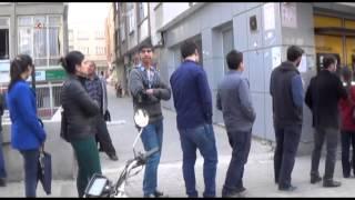 Yüzlerce açık öğretim öğrencisi bir ATM'de para yatırıyor \ 08 03 2014 \ GAZİANTEP