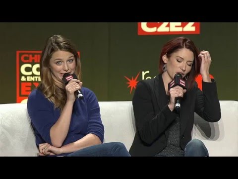 Supergirl Panel avec Melissa Benoist et Chyler Leigh à la convention c2e2 à Chicago 190316