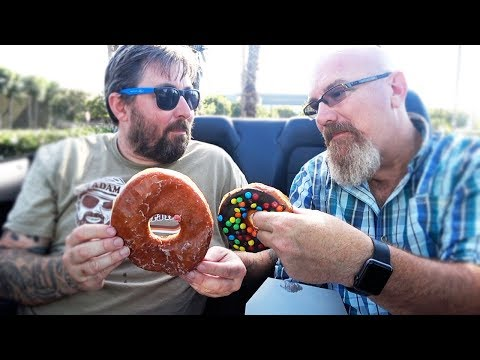 Randy's Donuts 🍩 in Sunny California with AdamTheWoo