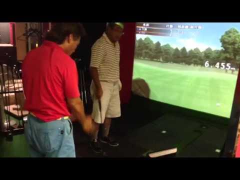 シミュレーションゴルフでレッスン