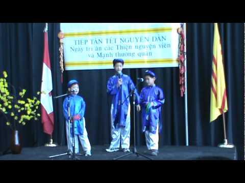 Têt Nhâm Thìn 2012 - Bài Hat Xuc Xac Xuc Xe at Ottawa City Hall
