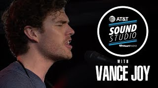 Vance Joy Performs 'Riptide', 'Saturday Sun' And More