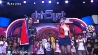 Charlie Feat Bella - Tentang Suara Hati ( Dahsyat Live 25-4-2012 )