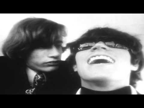 Bee Gees, Spicks and Specks. Official Video Remaster HD