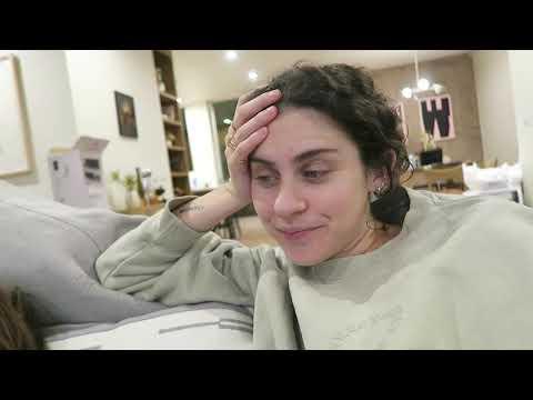 Hungover Vlog!! | Vlogmas Day 11 - Kelsey Kreppel