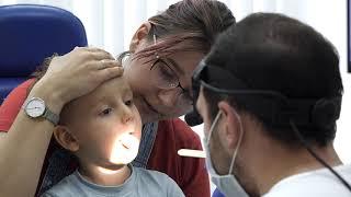 осмотр ребенка у ЛОР. Детский ЛОР. Детский врач. Камран Гаджиев