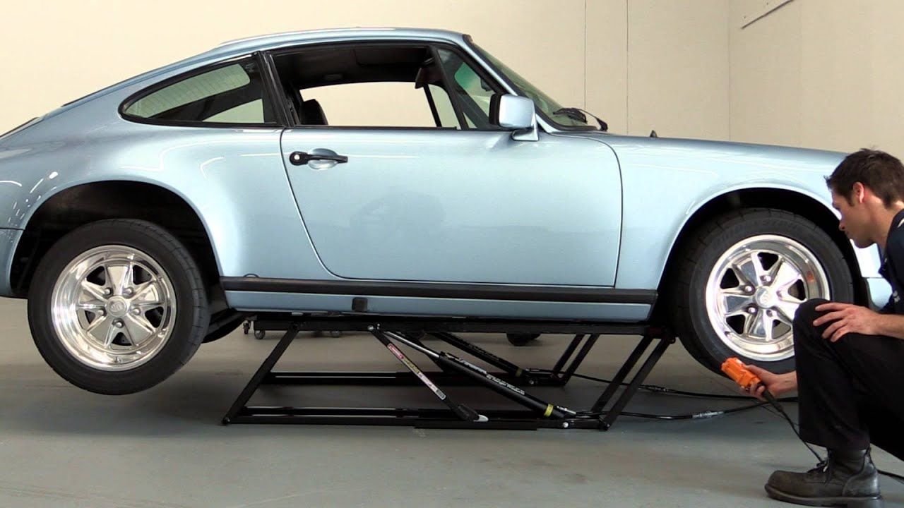 quickjack portable car lift demo with a porsche 911 youtube. Black Bedroom Furniture Sets. Home Design Ideas