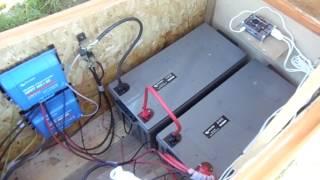 Visite d'une installation électrique photovoltaïque solaire autonome
