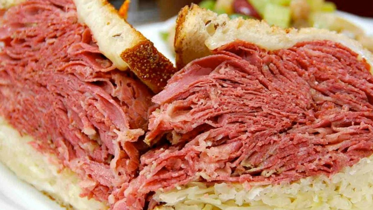 Corned beef sandwich salt beef sandwich grilled corned for What to do with salt beef