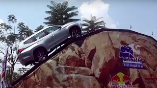 Download Video SERASA BERDIRI!!! All New Pajero Sport Melibas Tanjakan 47 Derajat GIIAS 2016 MP3 3GP MP4