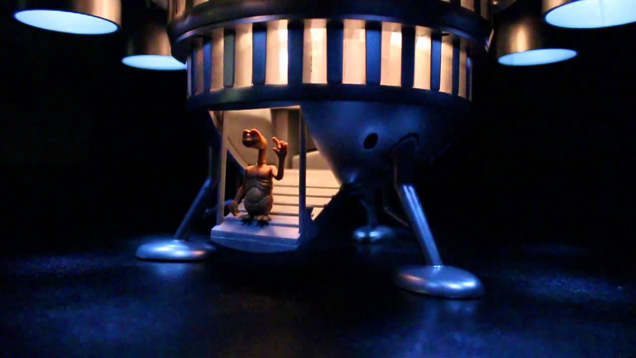 E.T. Spaceship Edition