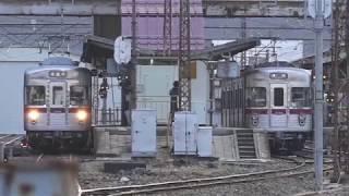 須坂駅構内より4番線に据付湯田中駅へ3500系同士の乗り換え、長野電鉄須坂駅発湯田中駅行き3500系普通列車。