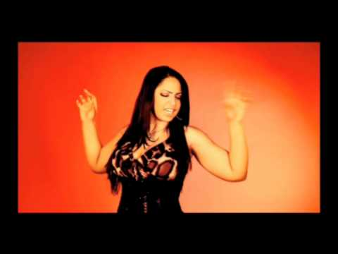 "Juliana, la Reina del Mambo - ""ESTUPIDO"" (VIDEO OFFICIAL)"