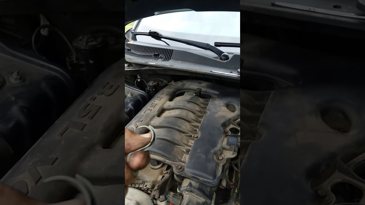 2006 Chrysler 300 Red Lightning Bolt Fix