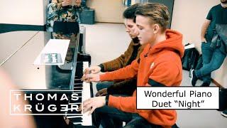 "WONDERFUL PIANO DUET [Ludovico Einaudi – ""Night""] at Amsterdam Train Station – THOMAS KRÜGER"