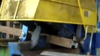 Łamanie szyn kolejowych - przecinanie szyn kolejowych - złom kolejowy, nożyce do złomu