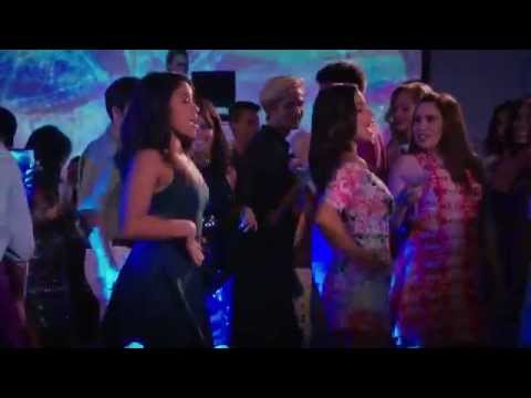 Jane The Virgin 2x04 Jane and Lina  Hot In Here