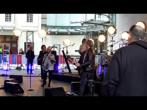 """""""Long Time"""" (Soundcheck) - Blondie @ """"The One Show,"""" BBC Television, London 05 May 2017."""