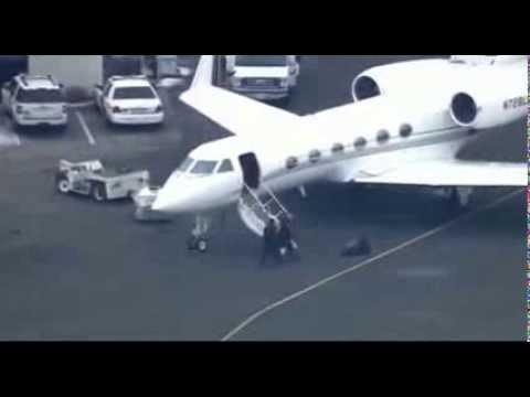 Justin Bieber's Private Jet Plane stopped and searched for drugs after landing at New Jersey airport