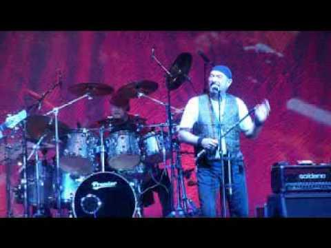 Jethro Tull live  Cross Eyed Mary 2009
