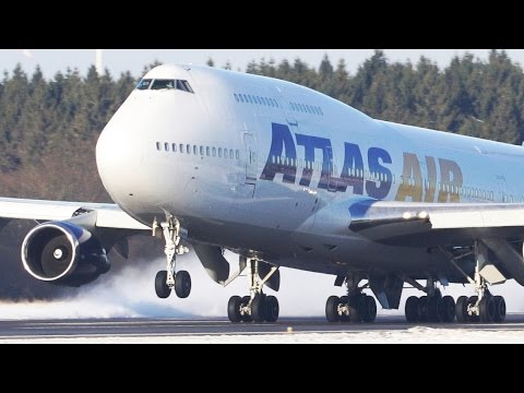 4 Boeing 747` s in the SNOW - Boeing 747 Departures and Landings