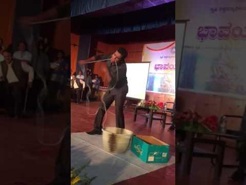 Ginnis girish wondering the audience in uas bangalore